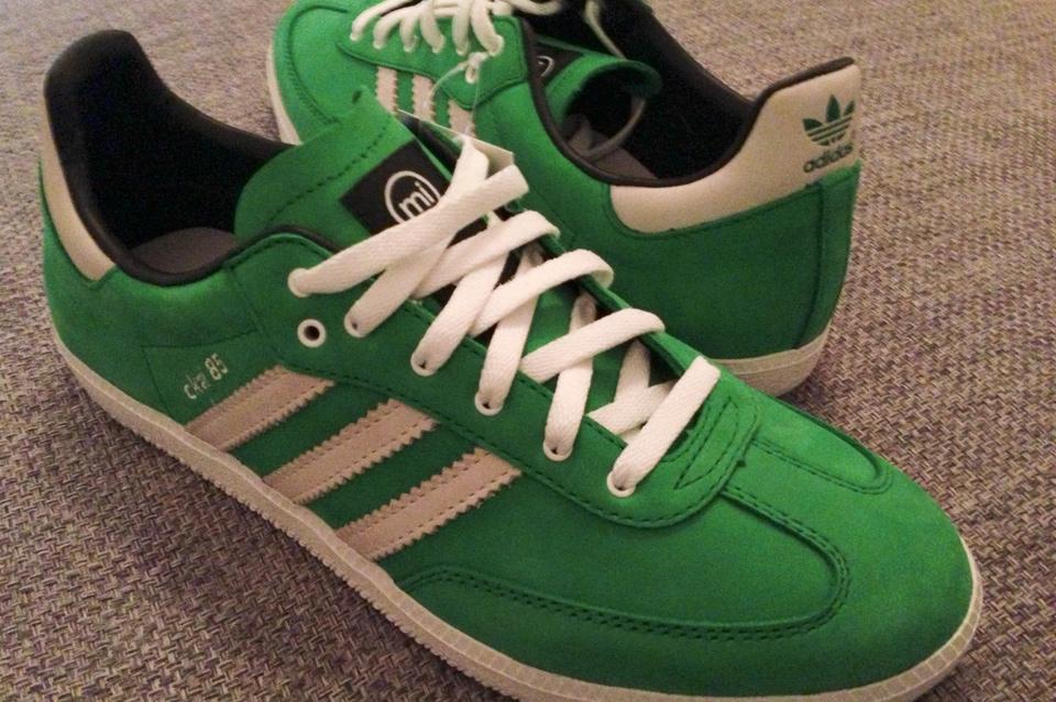 Cleane Adidas Samba in Weiß/Grün
